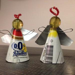 Kerstversiering: engeltjes gemaakt van blikje