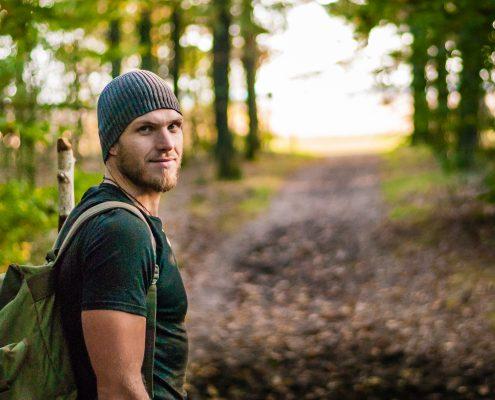 Evan onderweg tijdens een van zijn survivaltochten