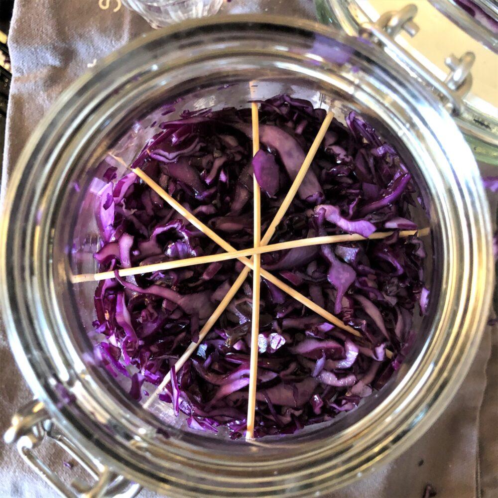 Zuurkool van rode kool en bloemkool: stappenplan fermenteren
